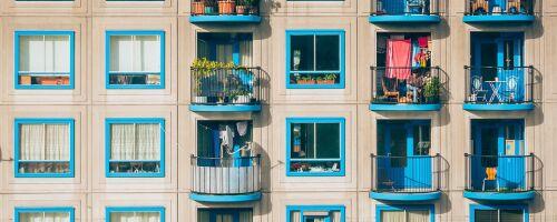 Можно ли прописаться в апартаментах и как это сделать, закон 2019 года