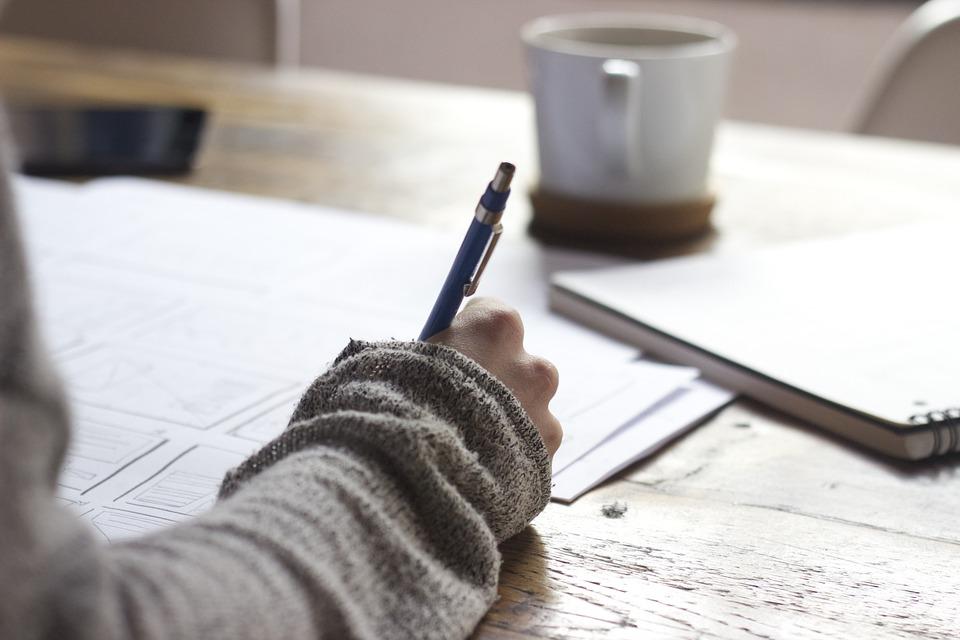 Как прописаться в частном доме временно или постоянно, какие документы нужны для регистрации